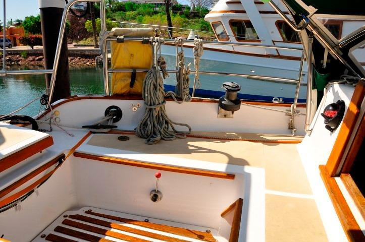 32' Westsail Cutter+Photo 16