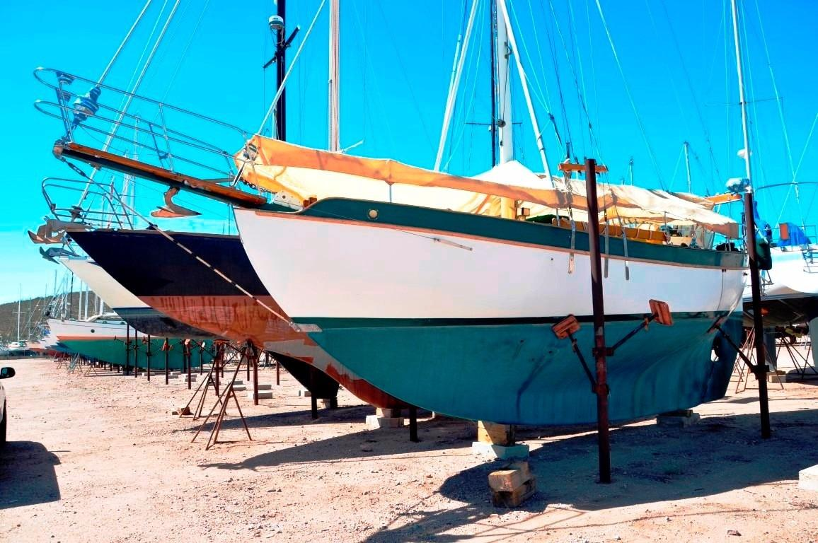 32' Westsail Cutter+