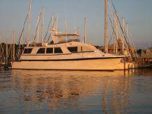 1988 Vantare Hatteras Cockpit Motor Yacht