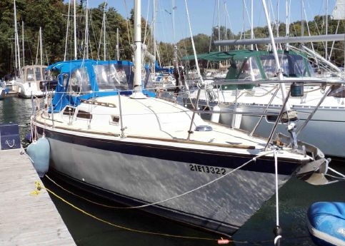 1980 O'day 28 CB Sloop