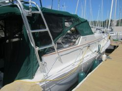 Photo of 34' Mainship 34 PILOT Fresh Water
