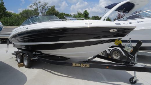 2016 Cruisers Sport Series 258 Bow Rider