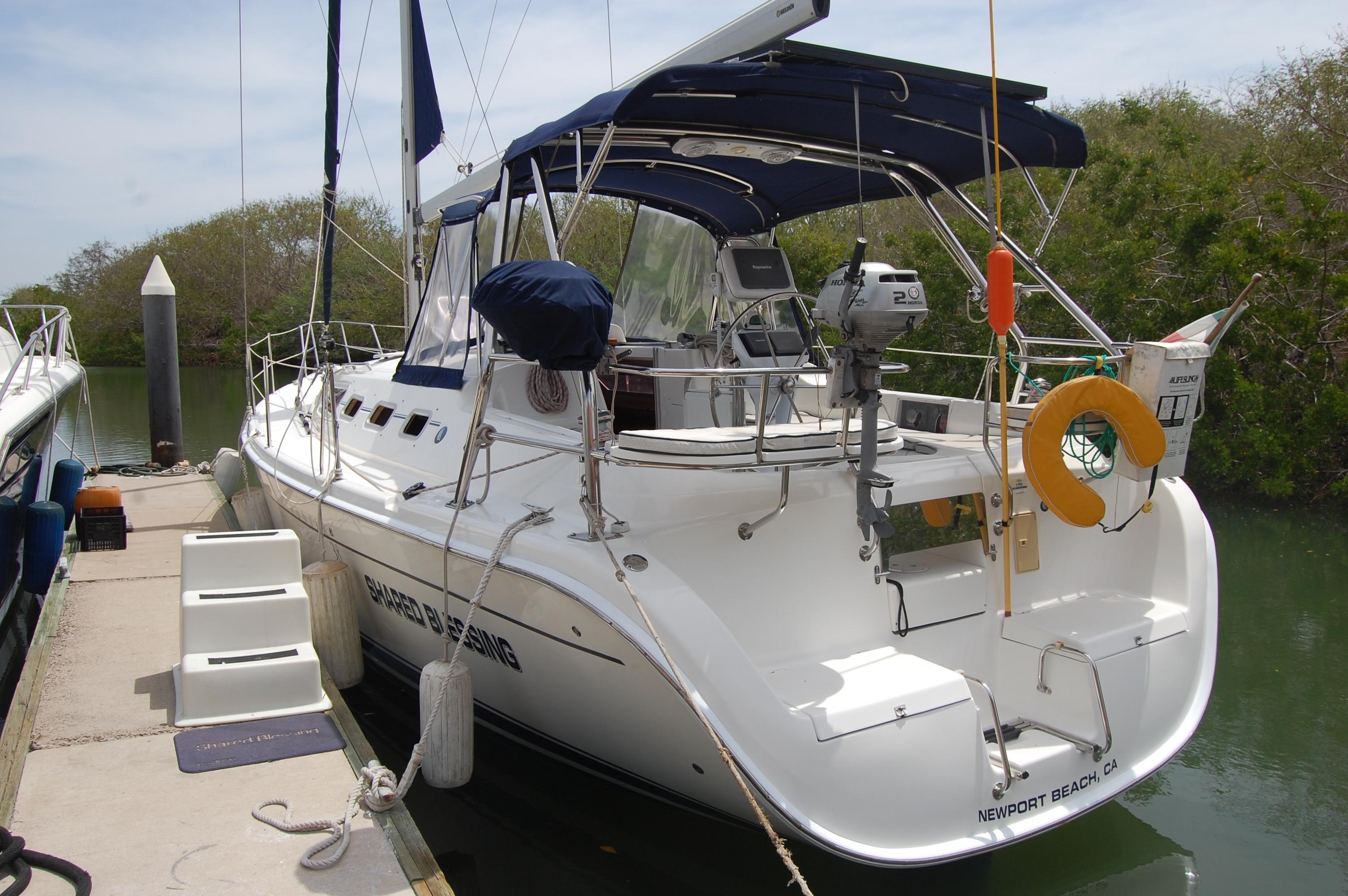 38' Hunter h38+Boat for sale!