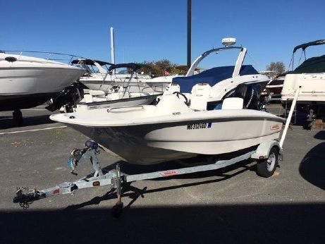 2010 Boston Whaler 150 Super Sport with trailer