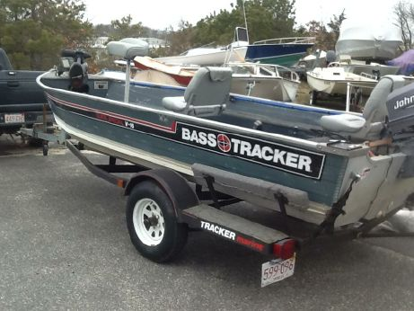 1986 Bass Tracker 16' Fisherman