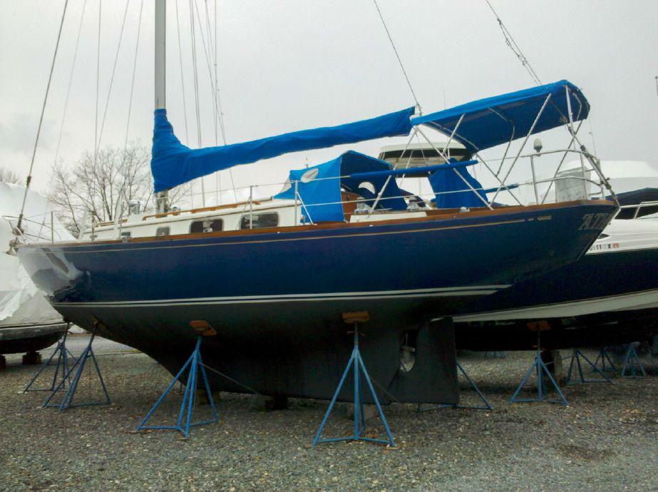 . 1977 Bristol 40 Sail Boat For Sale   www yachtworld com