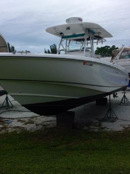 2004 Boston Whaler Outrage 320 Center Console