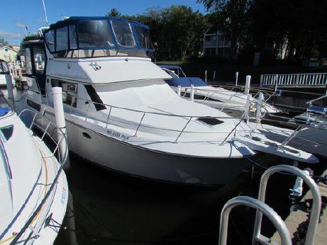 1990 Carver 36 Motor Yacht