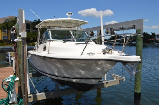 2006 Pursuit 2570 Offshore Express Cuddy
