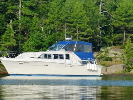 1987 Chris Craft 381 Catalina
