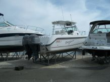 2001 Boston Whaler 28 Outrage