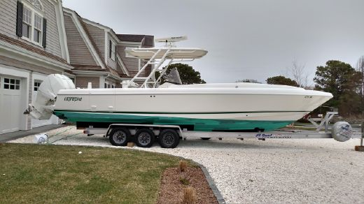 2008 Intrepid 323 Cuddy CC & Trailer