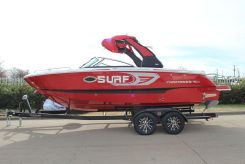 2020 Chaparral 25 SURF
