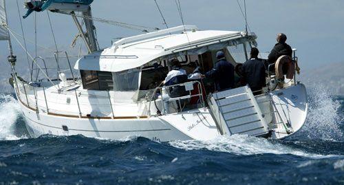 2001 Dufour Atoll 43