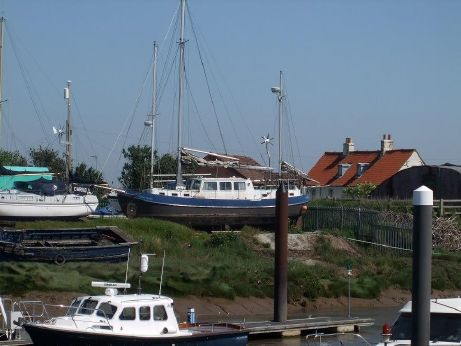 2009 Peter Nicholls Steelboats Huffler 40