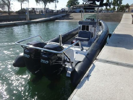 2015 Protector 33 Center Console
