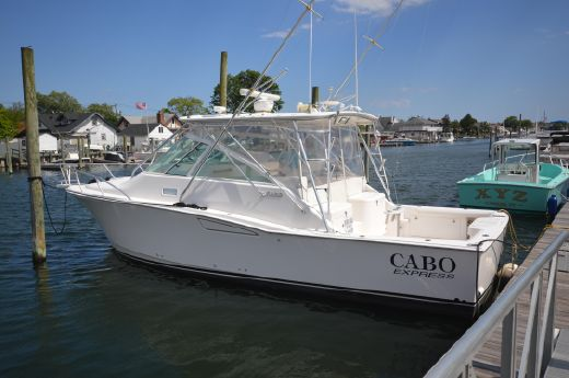 2006 Cabo 35 Express