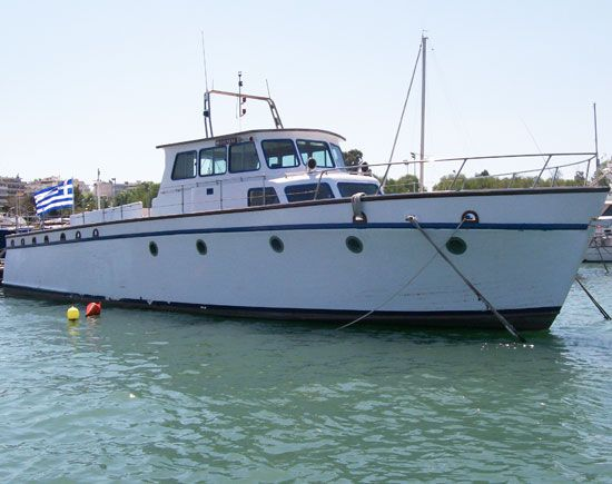 1944 classic wooden motor yacht power boat for sale www for Large motor yachts for sale