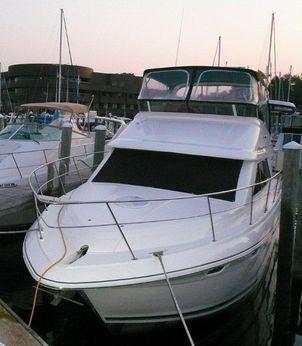 1997 Cruisers Yachts 3650 Motoryacht