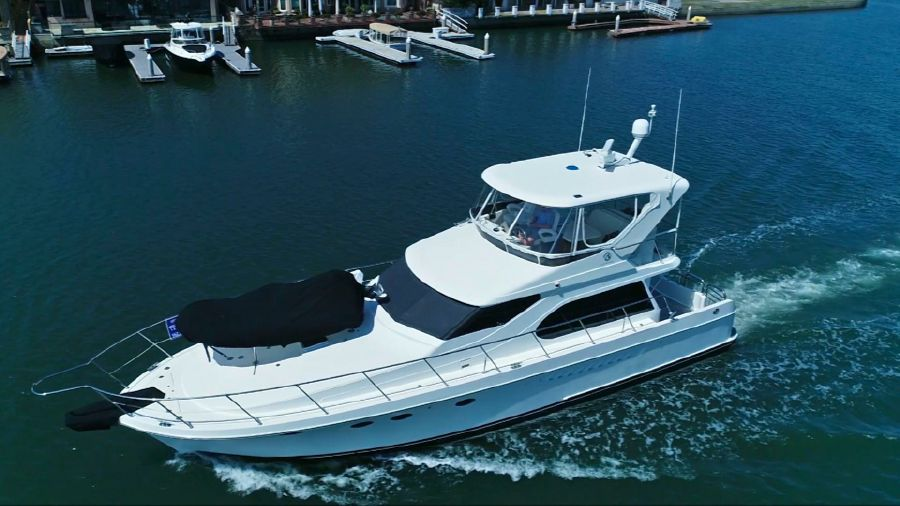 2006 52' OCEAN ALEXANDER 52' SEDAN Yacht for sale in Huntington Beach