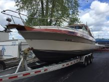 1988 Cruisers Yachts V66