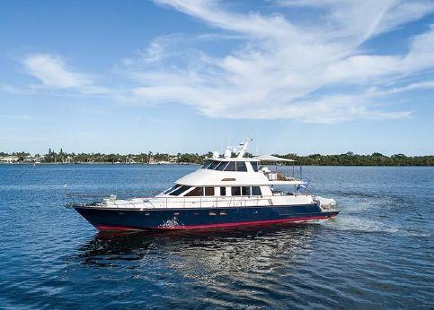 2016 Hunt Yachts 80'