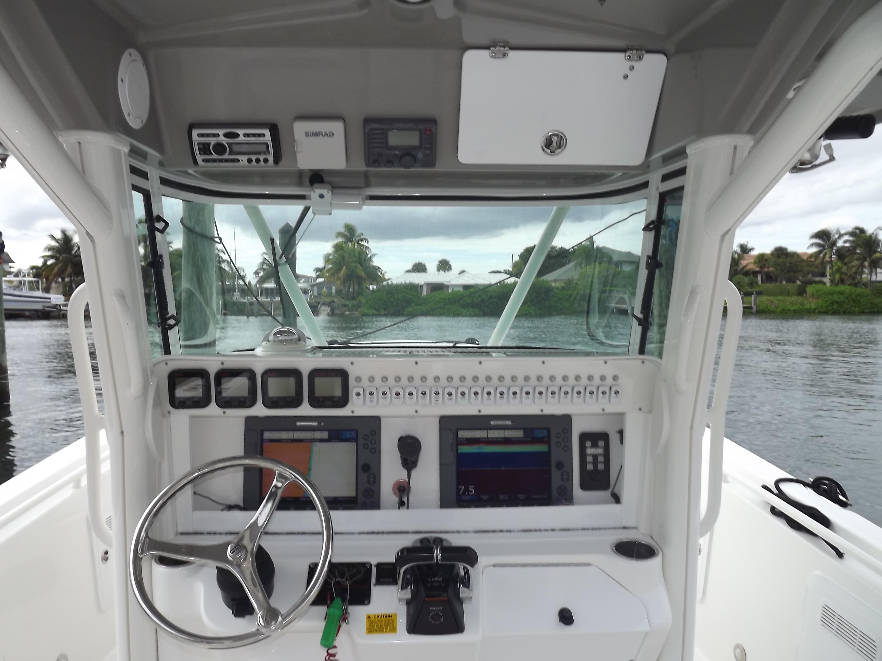 photo of  35' Everglades Center Console
