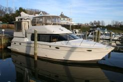 2000 Carver 456 Motor Yacht