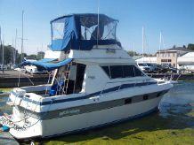 1986 Cruisers Yachts 338 Chateau Vee