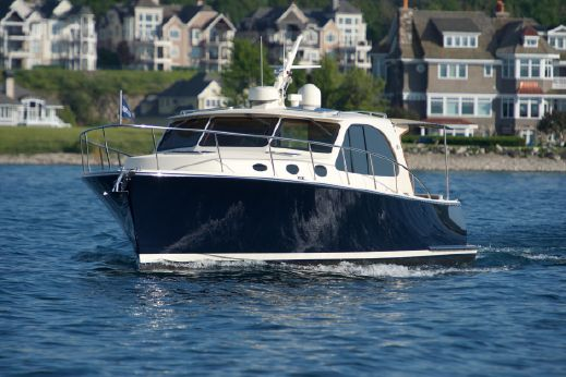 2018 Palm Beach Motor Yachts PB42