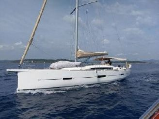 2017 Dufour 460 Grand Large