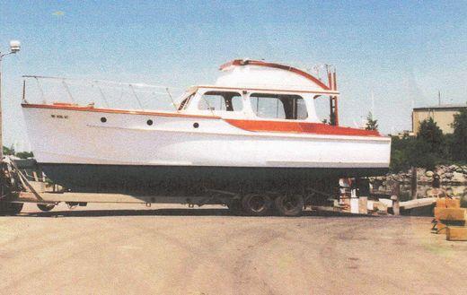 1953 Parece Flybridge Cruiser