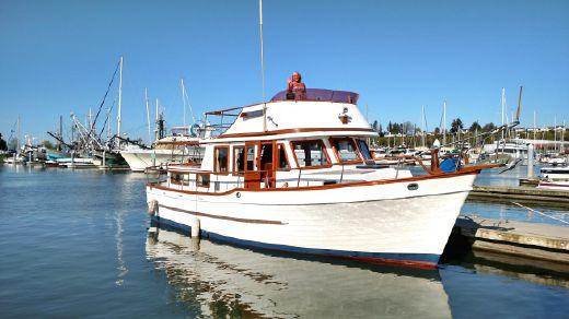1979 Universal 36' Trawler