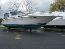 1990 Sea Ray 350 Express Cruiser