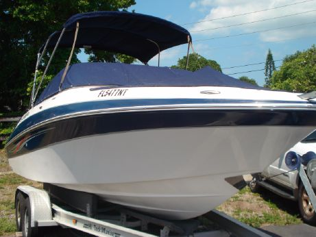 2008 Four Winns H240