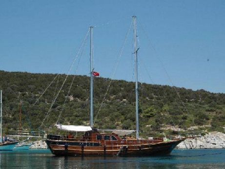 2007 24 M 2 Engines 4 Cabin Laminated Wooden Ketch