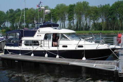 2007 Nimbus 340 Commander
