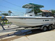 2000 Boston Whaler Outrage 210