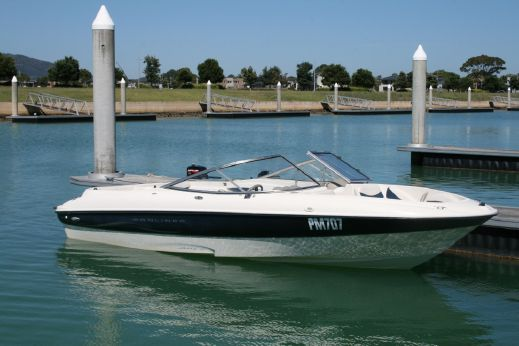 2002 Bayliner Ciera Bowrider 215