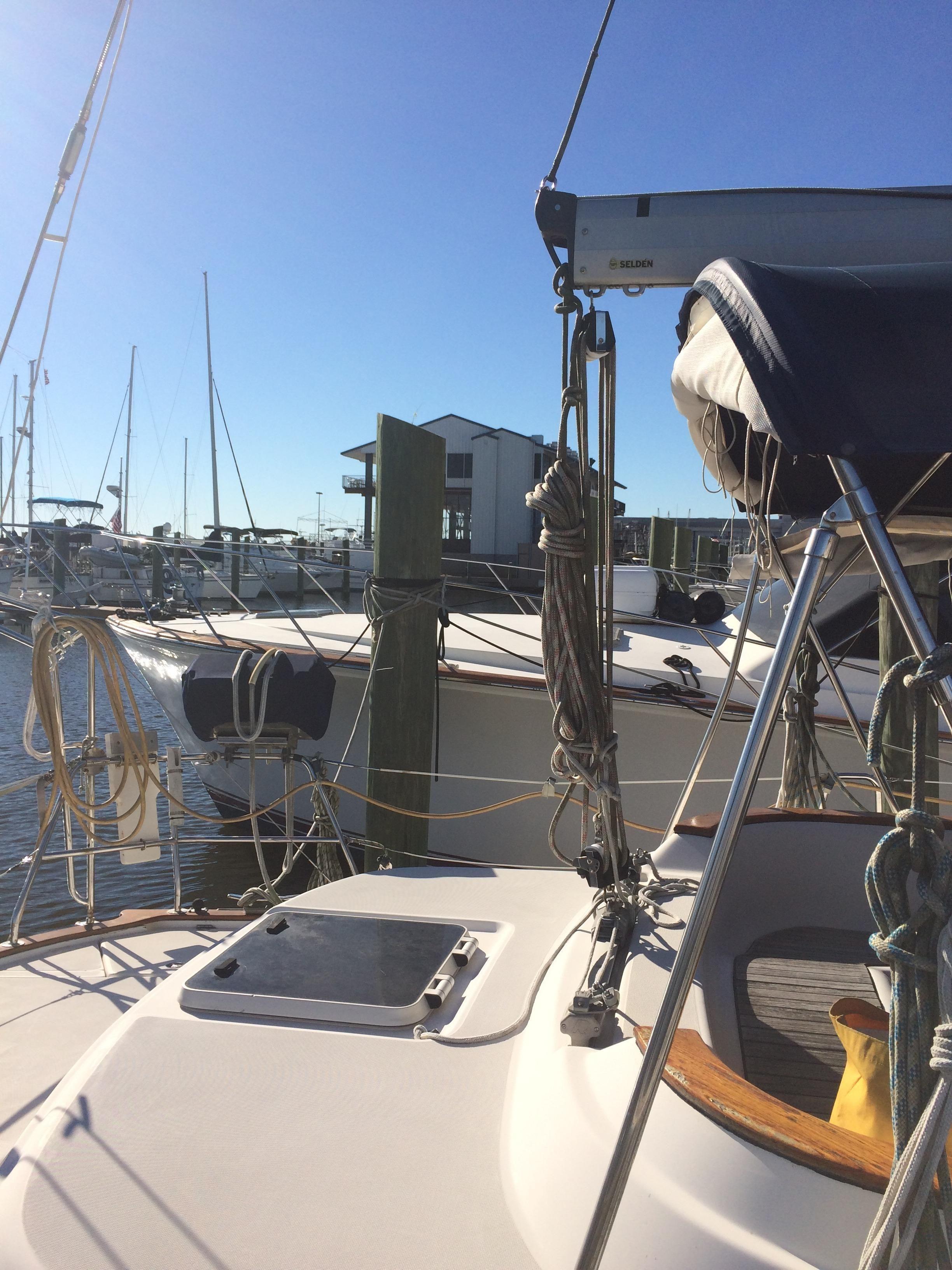 2001 Bavaria 40 Ocean Center Cockpit For Sale – Murray Yacht Sales