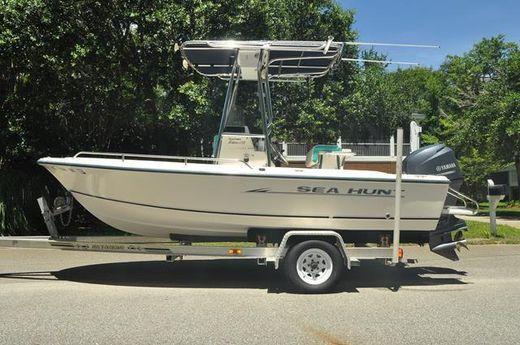 2005 Sea Hunt Triton 172