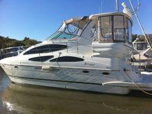 2003 Cruisers 4050 Express Motor Yacht