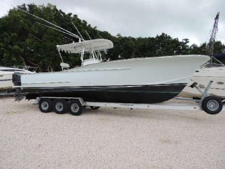 2005 Gillikin 32 Center Console