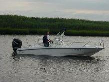 2009 Boston Whaler 230 Dauntless