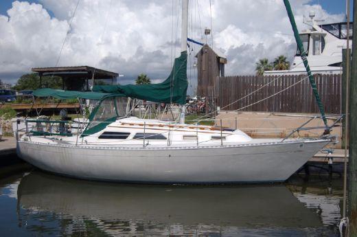 1985 Islander 28