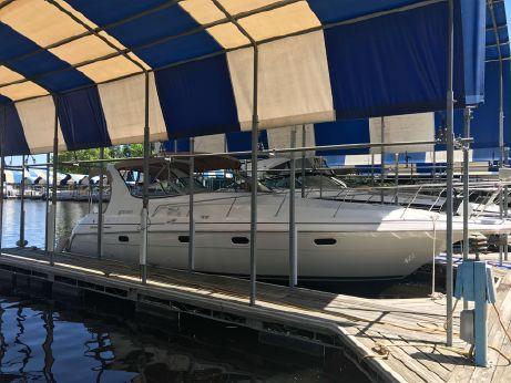 1997 Cruisers Yachts 3375 Express