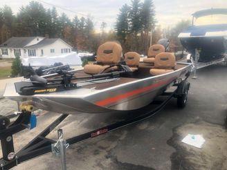 2019 Tracker BASS TRACKER XL