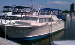 1970 Chris Craft 42 Commander