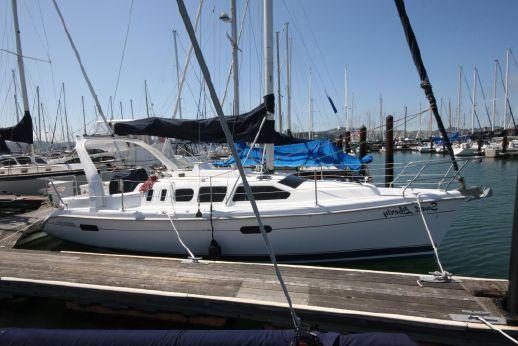 1999 Hunter 310 sloop