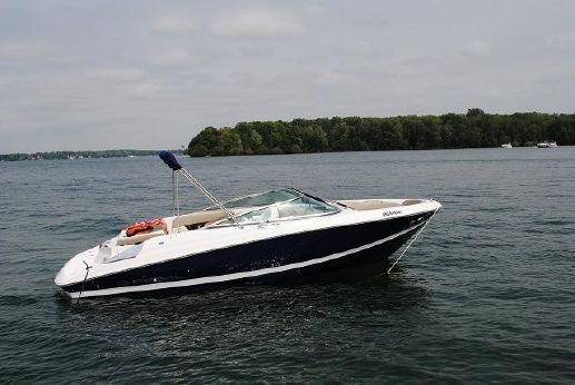 2011 Regal 2200 Bowrider